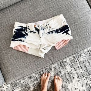 Super cute fourth of july shorts! Size 5